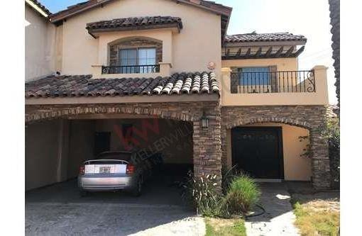 Residencia Ampliada Y Terreno Grande En Residencial De Lujo