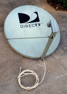 Antena Direct Tv + Soporte Con Tornillos