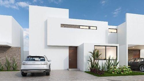 Casas En Venta En Merida. Privada Otavia Modelo 140