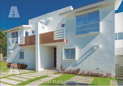 Casa En Venta De 3 Recámaras De 2 Niveles En Paseo De La Joya, Playa Del Carmen