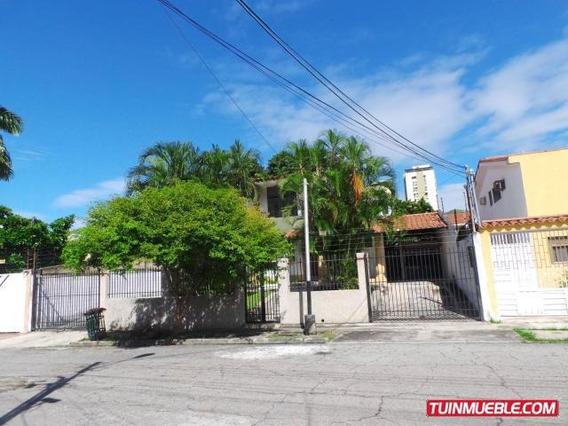 Casas En Venta Urb Andres Bello Maracay 20-7045 Mfc