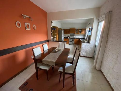 Venta Casa Buceo.4 Dormitorios.2 Baños.jardin.cochera.patio.