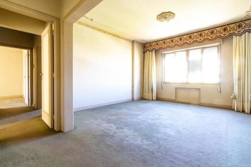 Apartamento Em Independência Com 3 Dormitórios - Ot8015