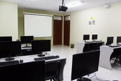 Alquiler De Salas De Capacitación / Aulas Para Charlas, Etc