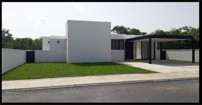 Casa De Un Nivel Amplio Terreno De 904 M2, Privada Con Vigilancia, Casa Club