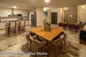 Casa En Venta En The Fives, Playa Del Carmen, Rah-mx-20-2398