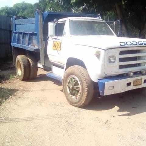 Volqueta Dodge Dodge