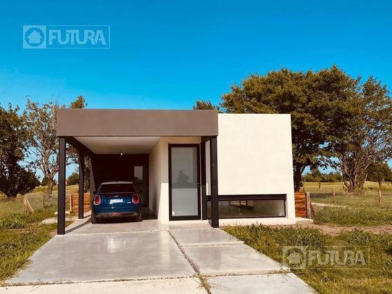 Casa Minimalista Dos Dormitorios - La Rinconada