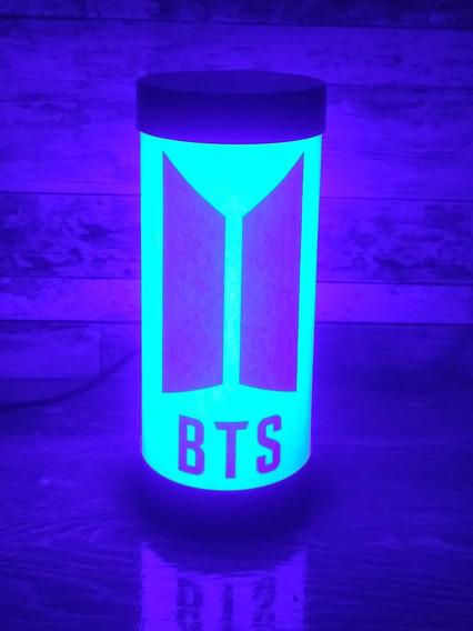 Luminária Abajur De Led Banda Bts Geek Kpop Várias Cores Disponíveis