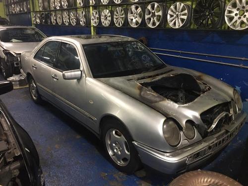 Imagem 1 de 6 de Mercedes E430 1999 Sucata Para Retirada De Peças