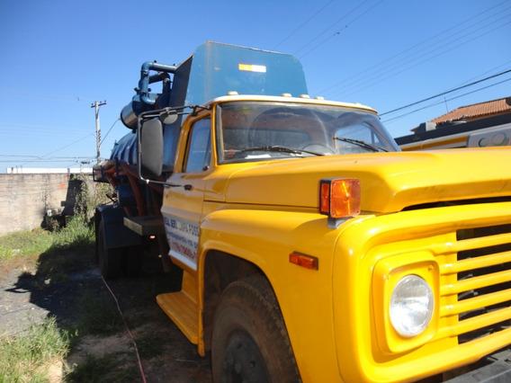 Caminhão Tanque Limpa Fossa Com Motor Seminovo De Mercedes