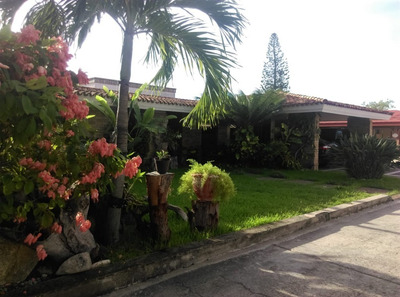 Residencia De 1 Nivel En Venta, Col. Guadalupe, Tampico, Tamaulipas.