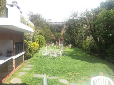 Hermosa Casa De 5 Ambientes- Fondo Libre - Jardin 160m2
