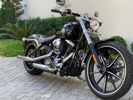 Harley Davidson Breakout Blecaut