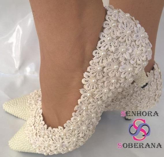Sapato Off White Florado Com Bico Perolado (noivas)(madrinha
