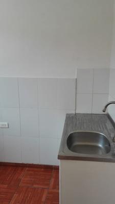 Casa Arriendo Qta Normal 270000 Ref. Mapocho Con Radal
