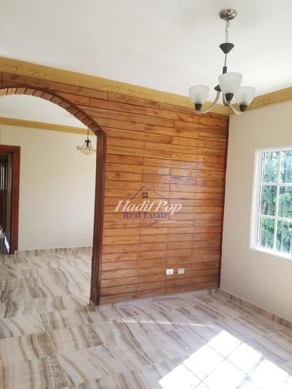 Hermosa Y Espaciosa Casa En Urbanización, Puerto Plata
