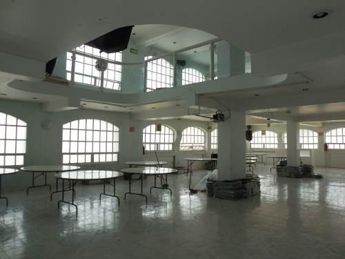 Renta De Edificio En Zona Comercial.