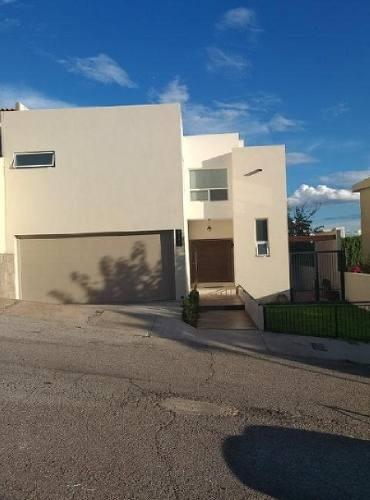 Casa Sola En Venta En Jardines De San Francisco I, Chihuahua, Chihuahua