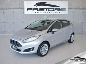 Ford New Fiesta Titanium - 2015
