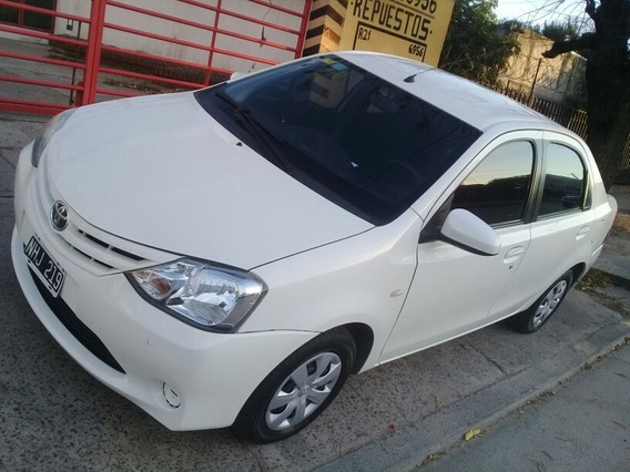 Toyota Etios 1.5 Sedan Xs 2013