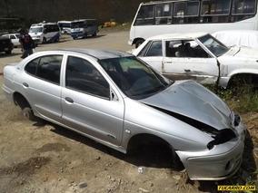 Chocados Renault .