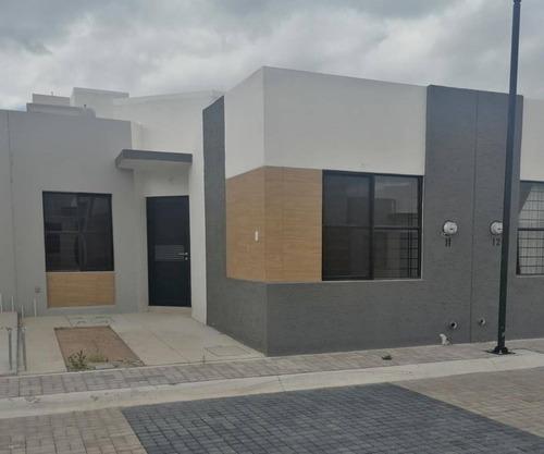 Imagen 1 de 12 de Casa En Renta, Paseo De La Asunción, San Gerardo, Aguascalientes, Rcr 413774.