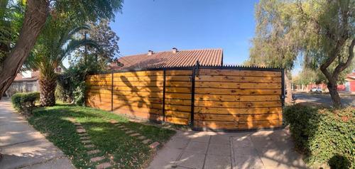 Casa En Venta En Barrio Tranquilo