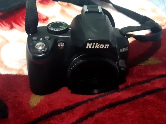 Câmera Profissional D3000