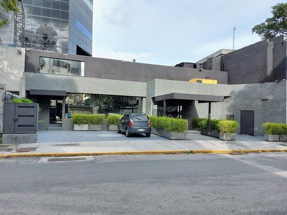 Traspasa O Vende Local Altamira Larez-04241906573