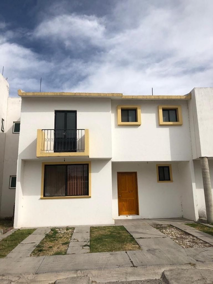 Se Vende Casa En El Zorzal, Ubicadisima, 3 Recamaras, 2.5 Baños, De Oportunidad!