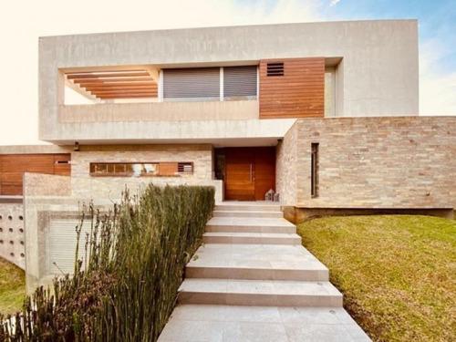 Importante Casa A La Venta En Rivera, Carrasco!
