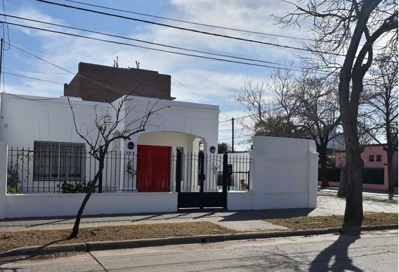 Venado Tuerto - Casa Centrica - 2 Dormitorios Con Pileta