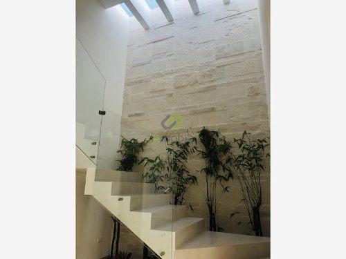Casa Sola En Venta Fracc. Loretta Residencial