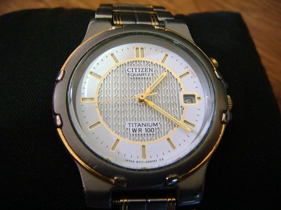 Bonito Reloj Citizen De Titanium Con Luz Electroluminiscente