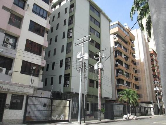 Apartamento En Venta Urb El Bosque, Maracay 20-13337 Hcc
