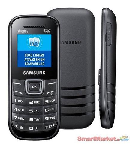 Celular Samsung E1207 8mb Preto - Dual Chip