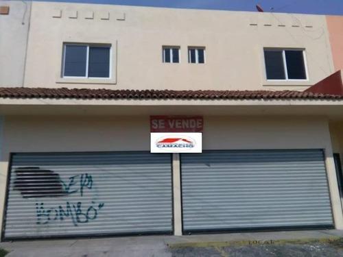 Local Comercial En Venta La Rivera, Col; Con Departamento En Planta Alta; Por Prol. Av. Anastacio Brizuel