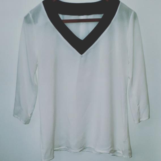 Camisa Blanca Cuello Negro