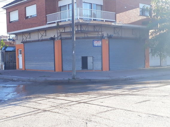 Local Comercial En Esquina Av Principal De Miramar