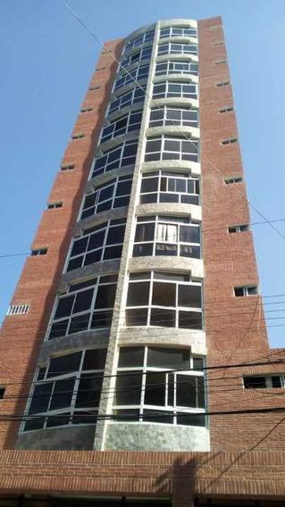 Apartamento En Avenida Ayacucho En Maracay