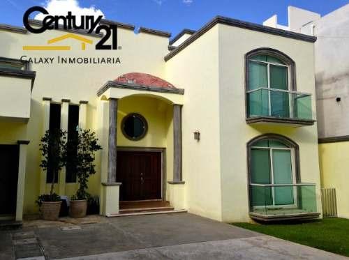 Preciosa Residencia En Merida Con Acabados De Lujo. En La Mejor Ubicacion.