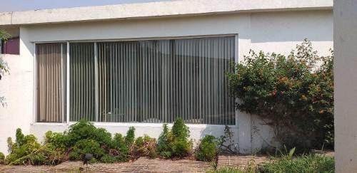 Se Vende Casa Sola, En Nivel En Fraccionamiento Limoneros