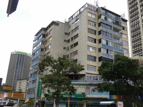 Alquiler De Oficina En Altamira 20-17593 Fn