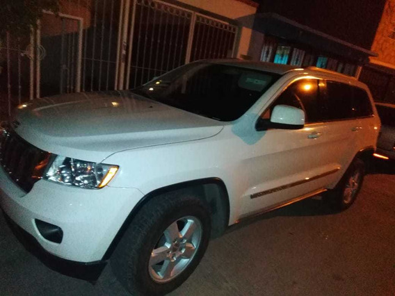 Jeep Grand Cherokee Laredo V6 Lujo 4x2 At 2012