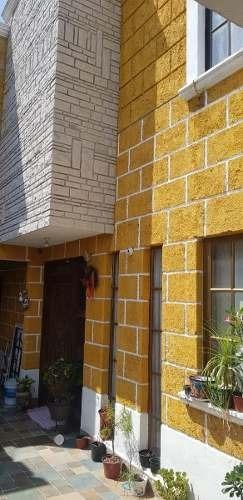Casa En Venta En Querétaro, Muy Cerca Del Centro, 3 Recamaras, Patio Y Terraza