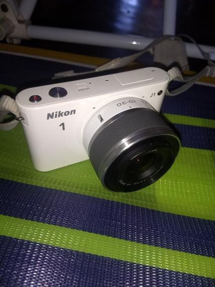 Camera Nikon J1