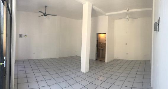 Rento Local Con Excelente Ubicación Por El Mercado 23 Cancun