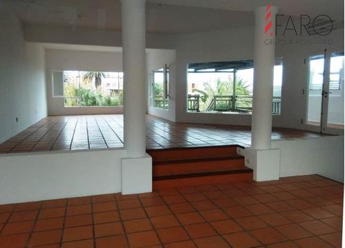 Excelente Local En La Barra 240 M2 Con Terraza- Ref: 36267