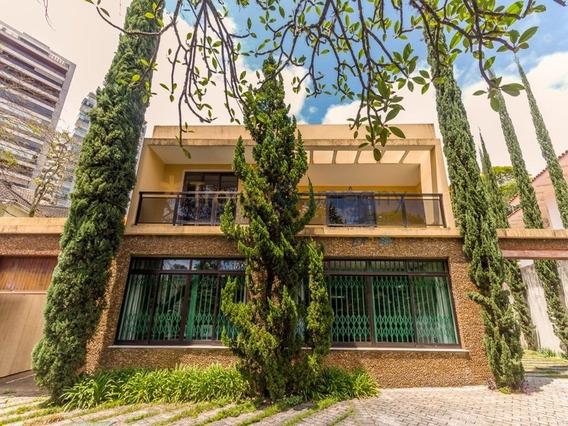 Higienópolis Sobrado Reformado 450,00m² 5 Dormitórios/2 Suites 6 Vagas R$ 3.199.000,00 - Sb00074